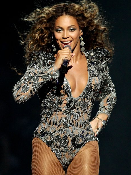Beyonce at the VMAs in 2009