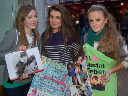 Justin Bieber fans outside Capital