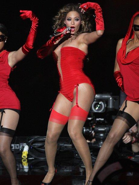 Beyonce knowles in black pantyhose