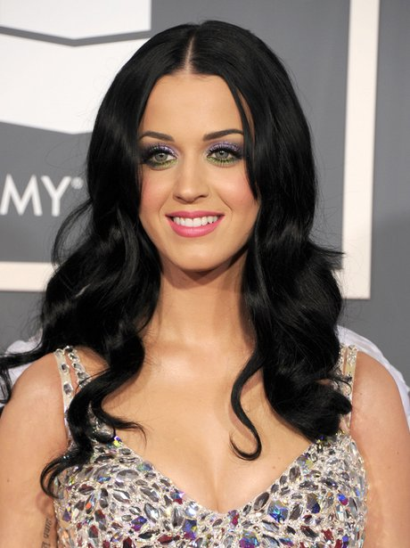 Katy Perry arrives at the Grammy Awards