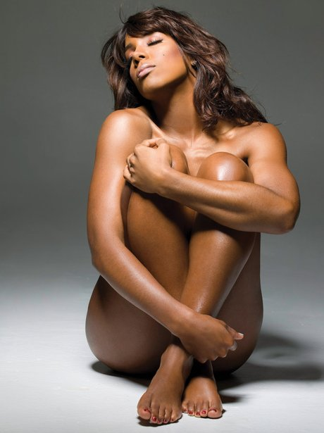 Kelly Rowland gets naked to promote 'Here I Am'
