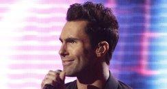 Maroon 5 sing live