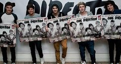 one Direction celebrate their album succsess