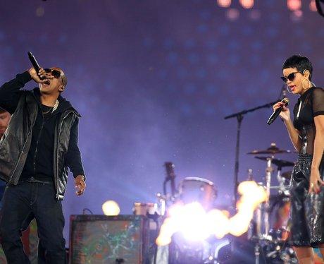 Jay-Z and Rihanna play the closing ceremony.
