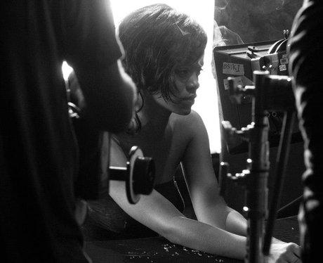 Rihanan on 'Diamonds' video set
