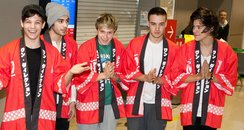 One Direction wear traditional Japanese kimonos