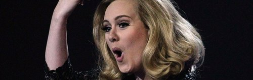 Adele middle finger brits 2012