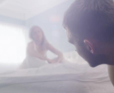 Calvin Harris Ellie Gouldingin a  bedroom