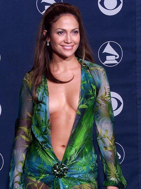 Jennifer Lopez smiling at Grammys 2003