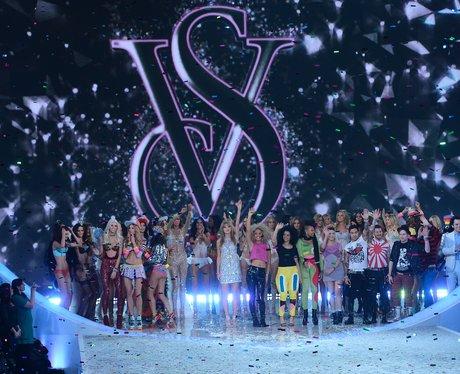 Taylor Swift Victoria's Secret Fashion Show 2013