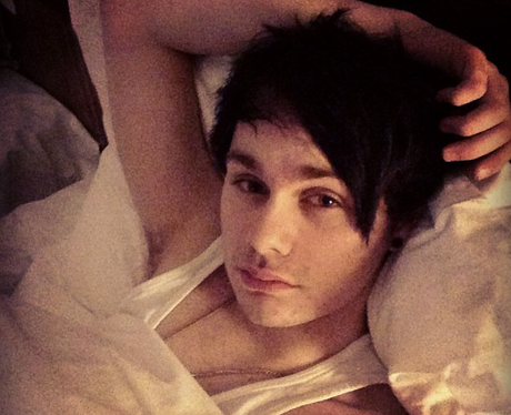 5 Seconds Of Summer: Get To Know 5SOS' Michael Clifford ...