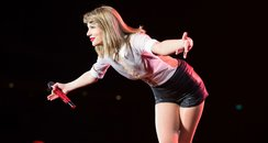 Taylor Swift performs on red tour