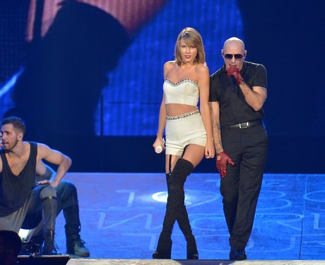Taylor Swift and Pitbull 1989 Tour